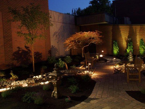 Ландшафтное освещение для сада в Одессе
