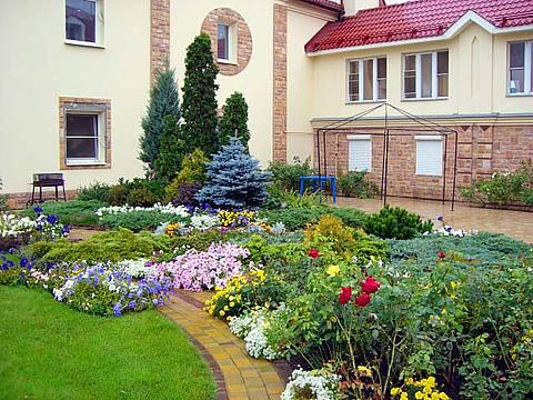Обустройство и озеленение садового участка в Одессе
