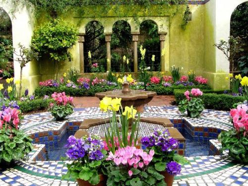 Восточные сады в Одессе