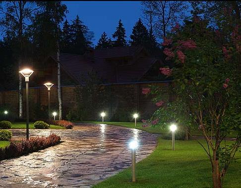 Ландшафтное освещение сада в Одессе