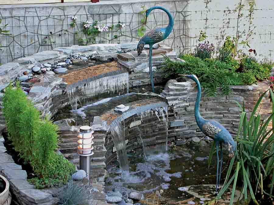 Декоративные водопады на приусадебном участке в Одессе