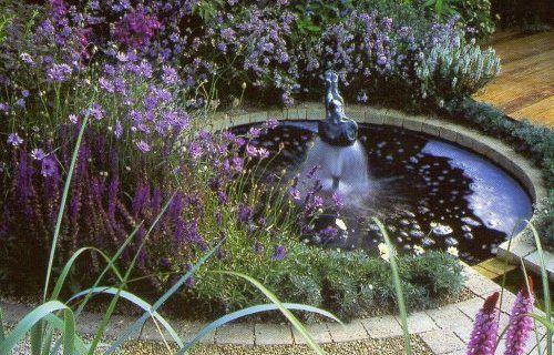 Стиль и дизайн фонтана в саду в Одессе