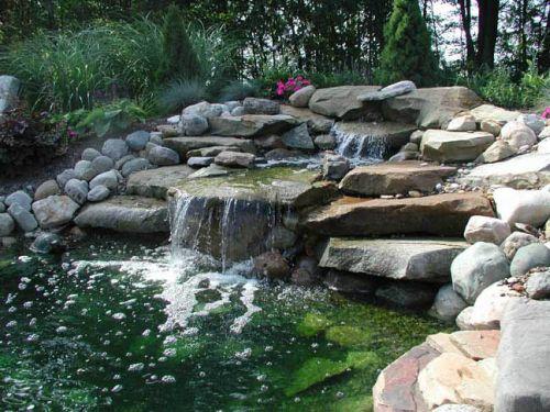 Искусственный водоем на садовом участке в Одессе