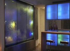 Водопады по стеклу в Одессе