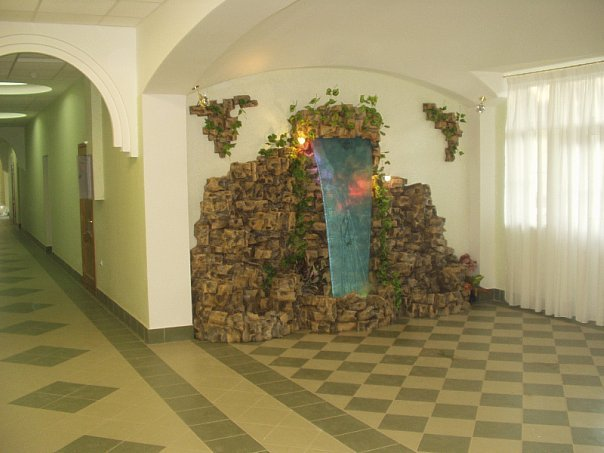 Искусственный водопад для офиса в Одессе
