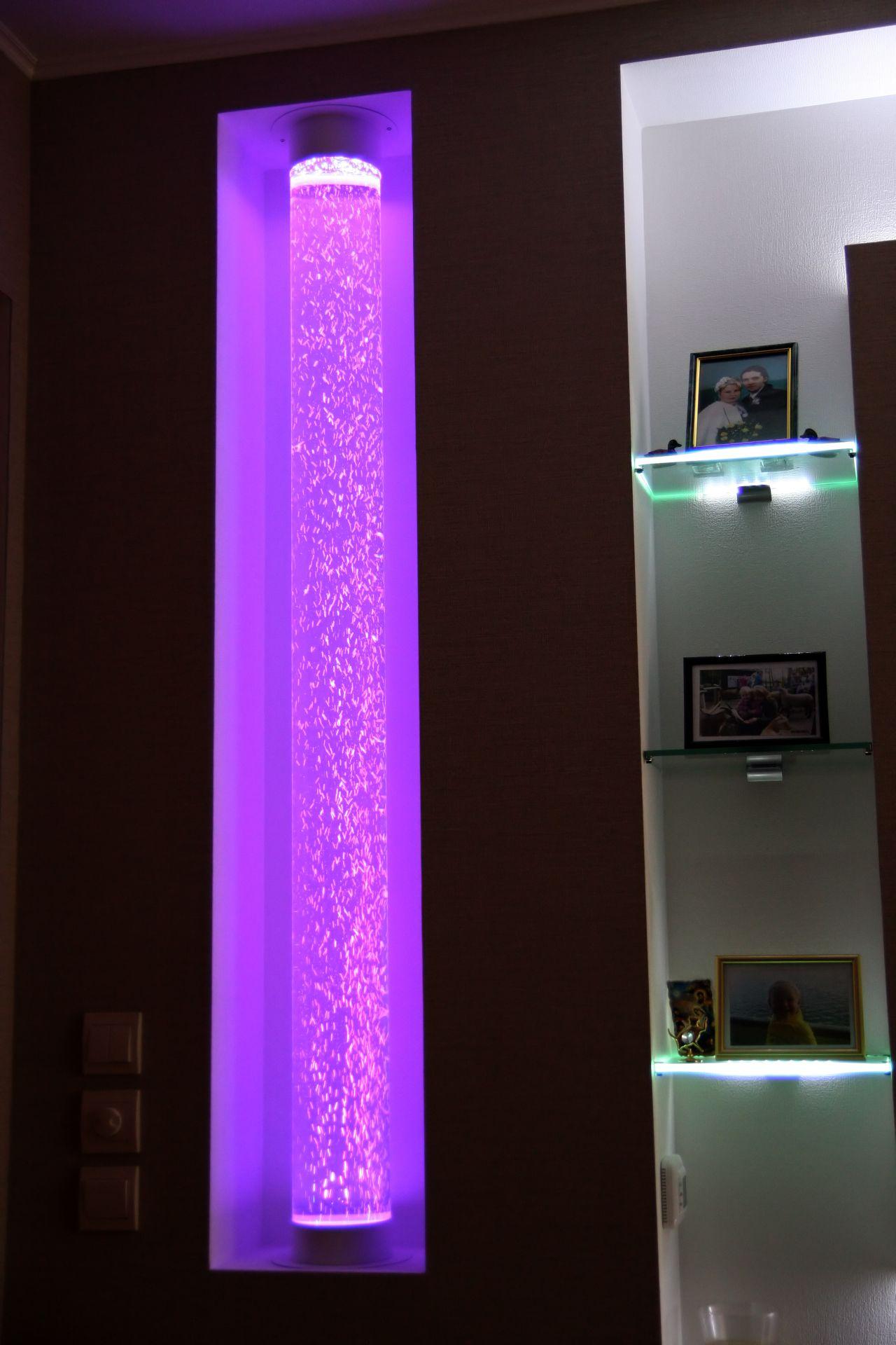 Воздушно-пузырьковая колонна в интерьере