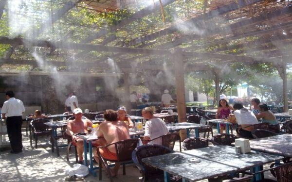 Охлаждение летних площадок искуственным туманом