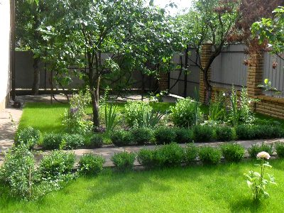 Элементы ландшафтного дизайна сада в Одессе