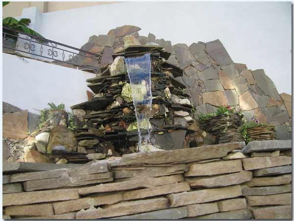 Водопад в дизайне интерьера