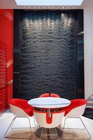 Водопад по стеклу в Одессе