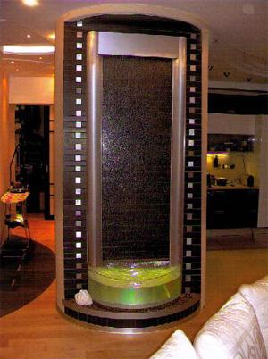 Декоративные водопады по стеклу под заказ