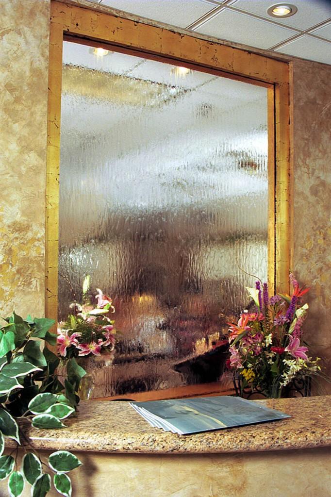 Заказать водопад по стеклу в Одессе