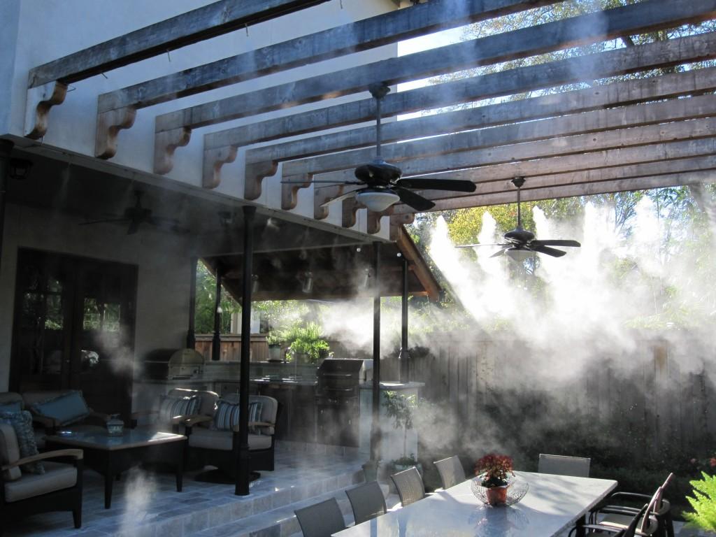 Система искусственного тумана для летних кафе